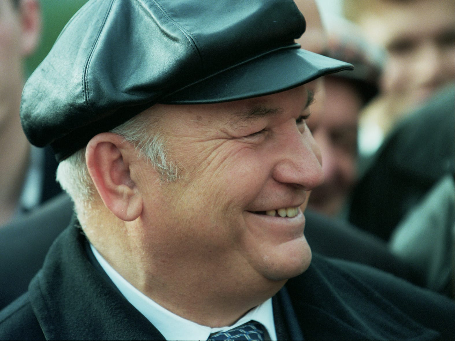 Yuri Luzhkov, long time mayor of Moscow, is dismissed